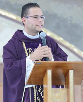 Missa com Padre Arlon Cristian -  269x329