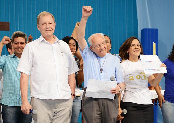 Comemoração do fechamento da campanha em 111% - Foto: Daniel Mafra/cancaonova.com