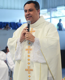 Missa com Padre Marlon Múcio - 269x329
