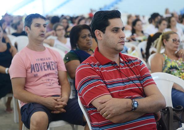 Fiéis participam da Santa Missa do acampamento de Cura e Libertação - Foto: Daniel Mafra/cancaonova.com