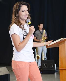 Fernanda Soares. Fotos: Daniel Mafra/ cancaonova.com