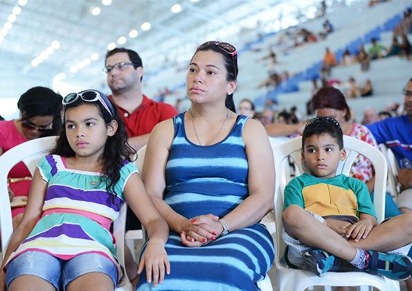Famílias acompanham pregação durante o acampamento de Ano Novo