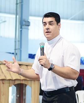 Padre Chrystian Shankar