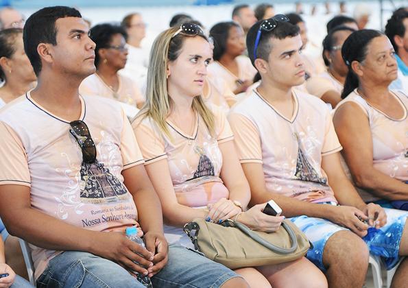 Fiéis participam atentamente da pregação de Eugênio Jorge - Foto: Wesley Almeida/cancaonova.com