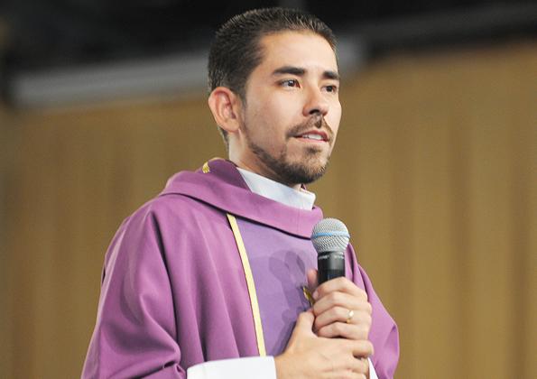 Missa com Padre Fabrício Andrade - 595x420