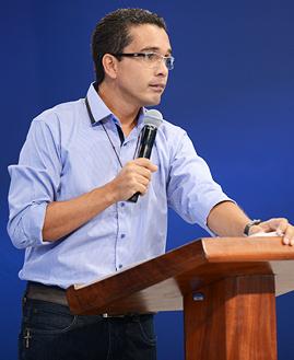 Alexandre Oliveira - Foto: arquivo cancaonova.com