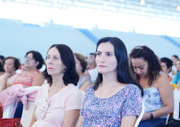 Peregrinos participam da pregação do Márcio Mendes Missionário da Canção Nova/  Foto: Wesley Almeida/cancaonova.com