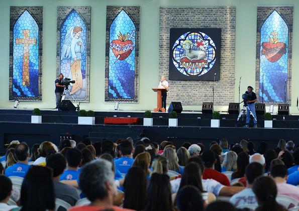 """""""Pela Eucaristia Jesus toma posse de nós, torna-nos propriedade d'Ele!"""", ensina Felipe Aquino. Foto: Wesley Almeida/cancaonova.com"""