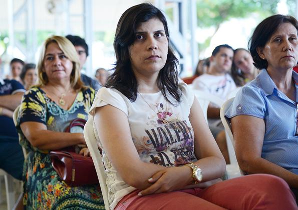 Fiéis participam da Quinta-Feira de Adoração na Canção Nova - Foto: Daniel Mafra