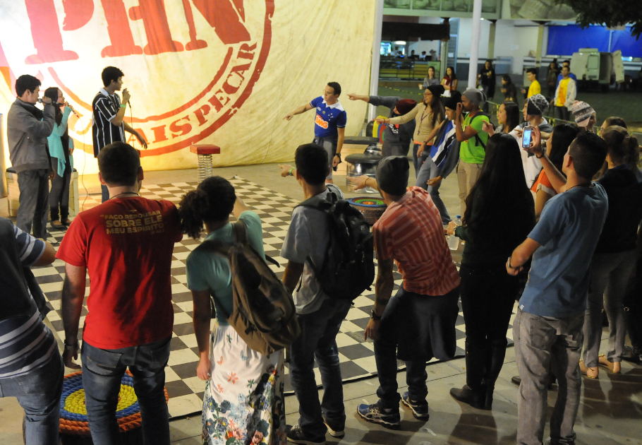 Caravana de Carmo do Paranaiba (MG), participam do Hip Hop