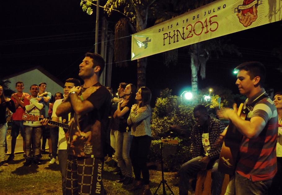 Grupo de oração no Cruzeiro