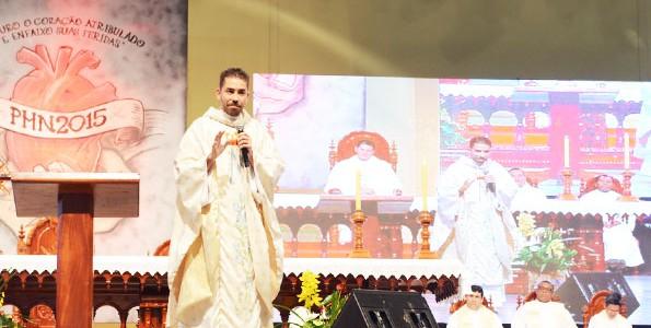 Santa Missa desta quinta-feira no acampamento PHN - foto: Wesley Almeida/cancaonova.com