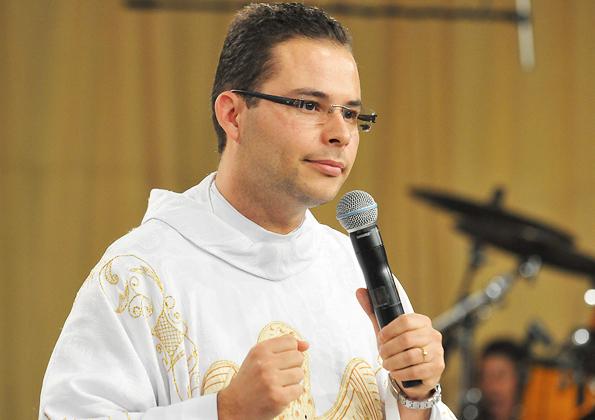 Santa Missa de abertura do Acampamento Fé e Milagres presidida por padre Arlon  - Foto: Arquivo cancaonova.com