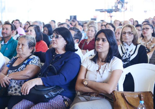 Peregrinos participam da Quinta-feira de Adoração na Canção Nova. Foto: Wesley Almeida/cancanova.com