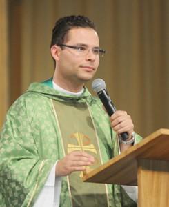 Padre Arlon - Foto: cancaonova.com