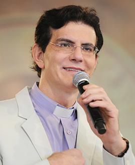 Padre Reginaldo Manzotti - Foto: arquivo cancaonova.com