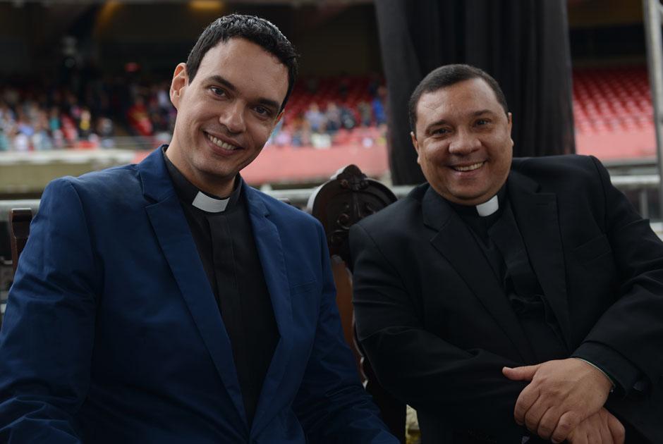 Padre Adriano Zandoná e padre Wagner Ferreira