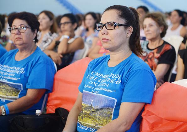 Peregrinos participam do acampamento na Canção Nova - Foto: Daniel Mafra/cancaonova.com