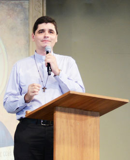 Padre João Paulo\ Foto: Wesley Almeida