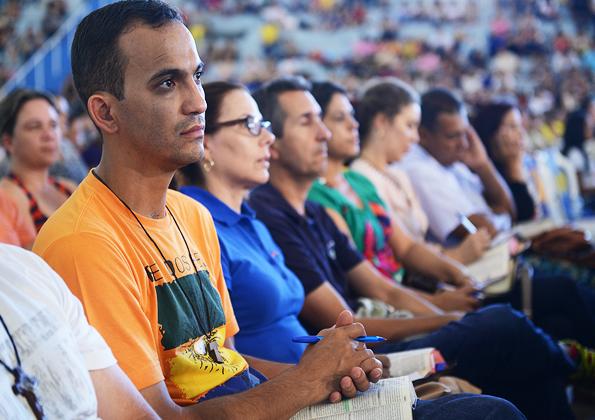 Jovens participam do acampamento de cura e libertação na Canção Nova / Foto: Wesley Almeida