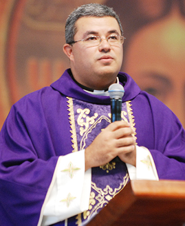 Missa Padre Roger Luis - 269x329