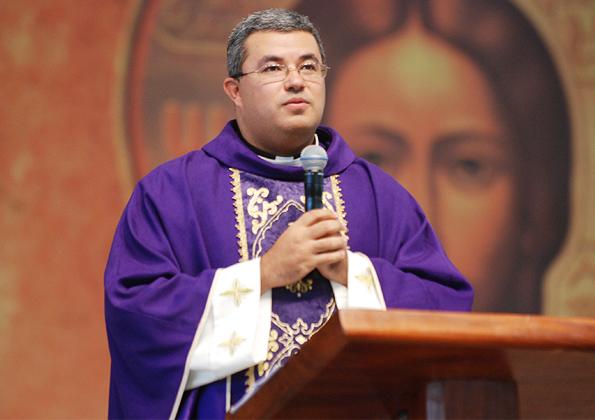 Missa Padre Roger Luis - 595x420