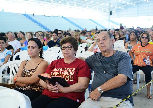 """Peregrinos participam do Acampamento de """"Ano Novo"""" na Canção Nova. Foto: Wesley Almeida/cancaonova.com"""