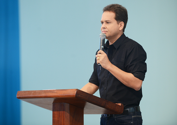 Pregação com Marcio Mende/ Foto: ArquivoCN