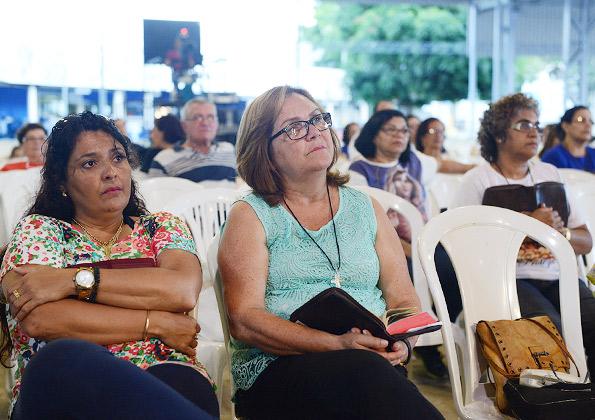 Peregrinos participam da Quinta-feira de Adoração na Canção Nova.Foto: Wesley Almeida/cancaonova.com
