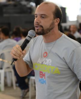 Adriano Gonçalves. Foto: Gustavo Borges/cancaonova.com