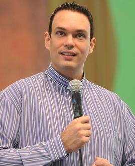 Pregação com Padre Adriano Zandona - - 269x329