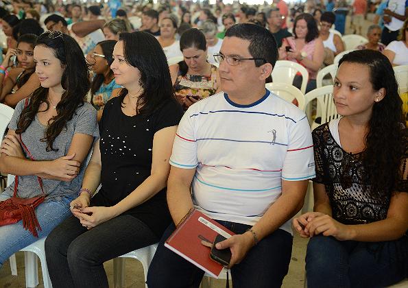 """Ana Laura, Adyr, ALmir e Maria Clara no Acampamento de Oração """"Vem Louvar"""""""