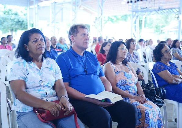 Peregrinos participam da Quinta-feira de Adoração na Canção Nova. Foto: Wesley Almeida/cancaonova.com