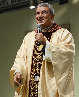 Padre Roger Luis. Foto: Daniel Mafra/cancaonova.com