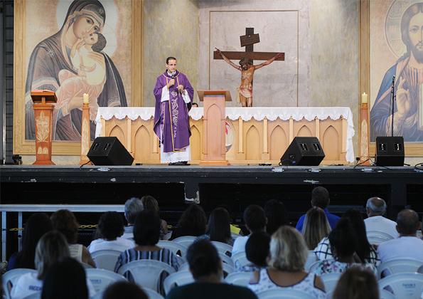 """""""A aliança de Deus conosco é uma aliança de amor, não de interesses"""" Padre Anderson Marçal. Foto: Daniel Mafra/cancaonova.com"""