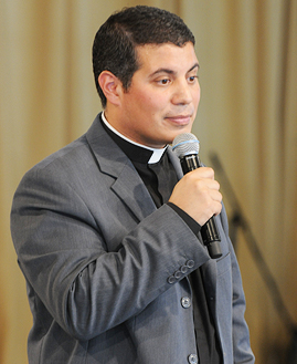 269x329 - Padre Fernando Santamaria