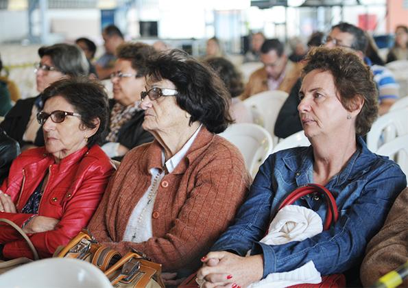 """""""A oração tem o poder de transformar o nosso coração"""" Cristiane Henrique. Foto: Daniel Mafra/cancaonova.com"""