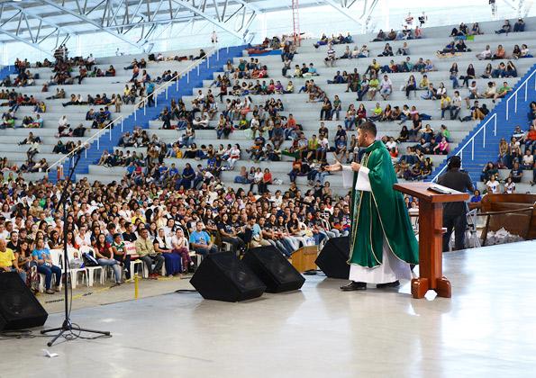 Padre Fábio Camargos Foto: Wesley Almeida.cancaonova.com