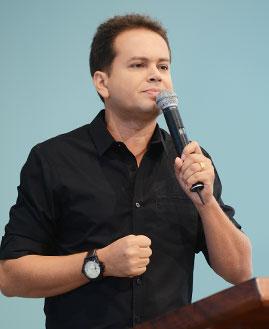 Márcio Mendes. Foto: Arquivo/cancaonova.com