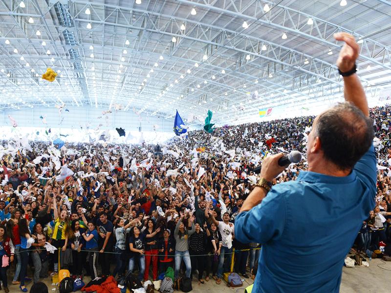 Milhares de jovens rodam camisas no #PHN2016