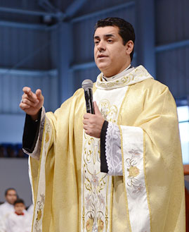 Padre Chrystian Shankar. Foto: Arquivo/cancaonova.com