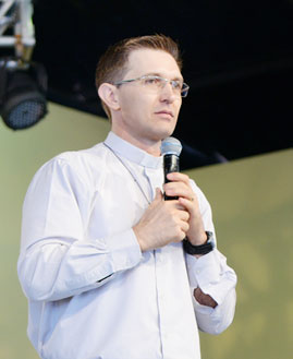 Padre João Marcos Polak. Foto: Wesley Almeida/cancaonova.com