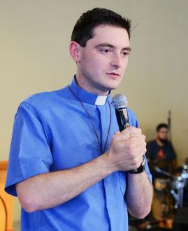 Padre Elinton Costa Foto: Wesley Almeida/cancaonova.com