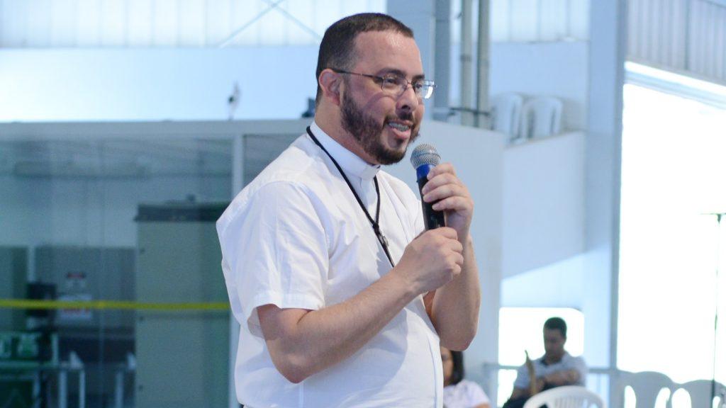 Padre-Serginho-1024x576.jpg