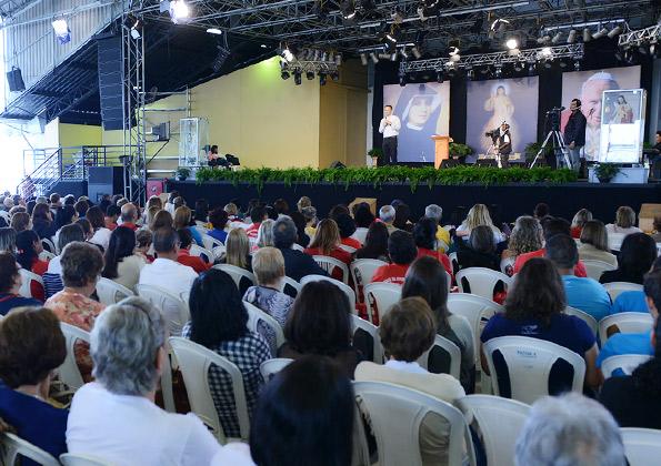 Não é possível continuar do mesmo jeito após passar pela experiência de Pentecostes - Padre João Marcos/ Foto: Wesley Almeida/cancaonova.com.