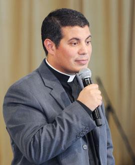Padre Fernando Santamaria. Foto: ArquivoCN/cancaonova.com