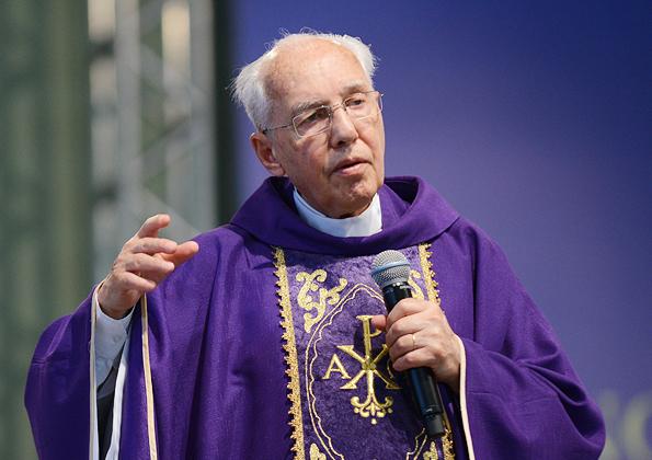 Missa com Monsenhor Jonas Abib - 595x420