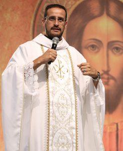 Padre Anderson Marçal, missionário da Comunidade Canção Nova. Foto: Daniel Mafra/cancaonova.com
