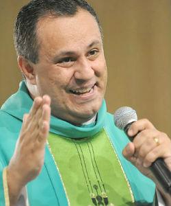 Padre Marlon Múcio – Foto: Arquivo / cancaonova.com