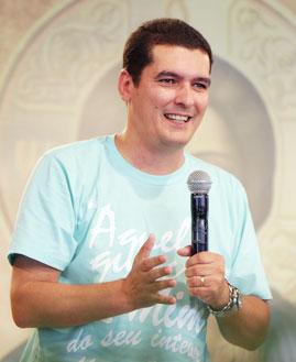 Evandro Nunes prega na Quinta-feira de Adoração. Foto: Arquivo/CancaoNova